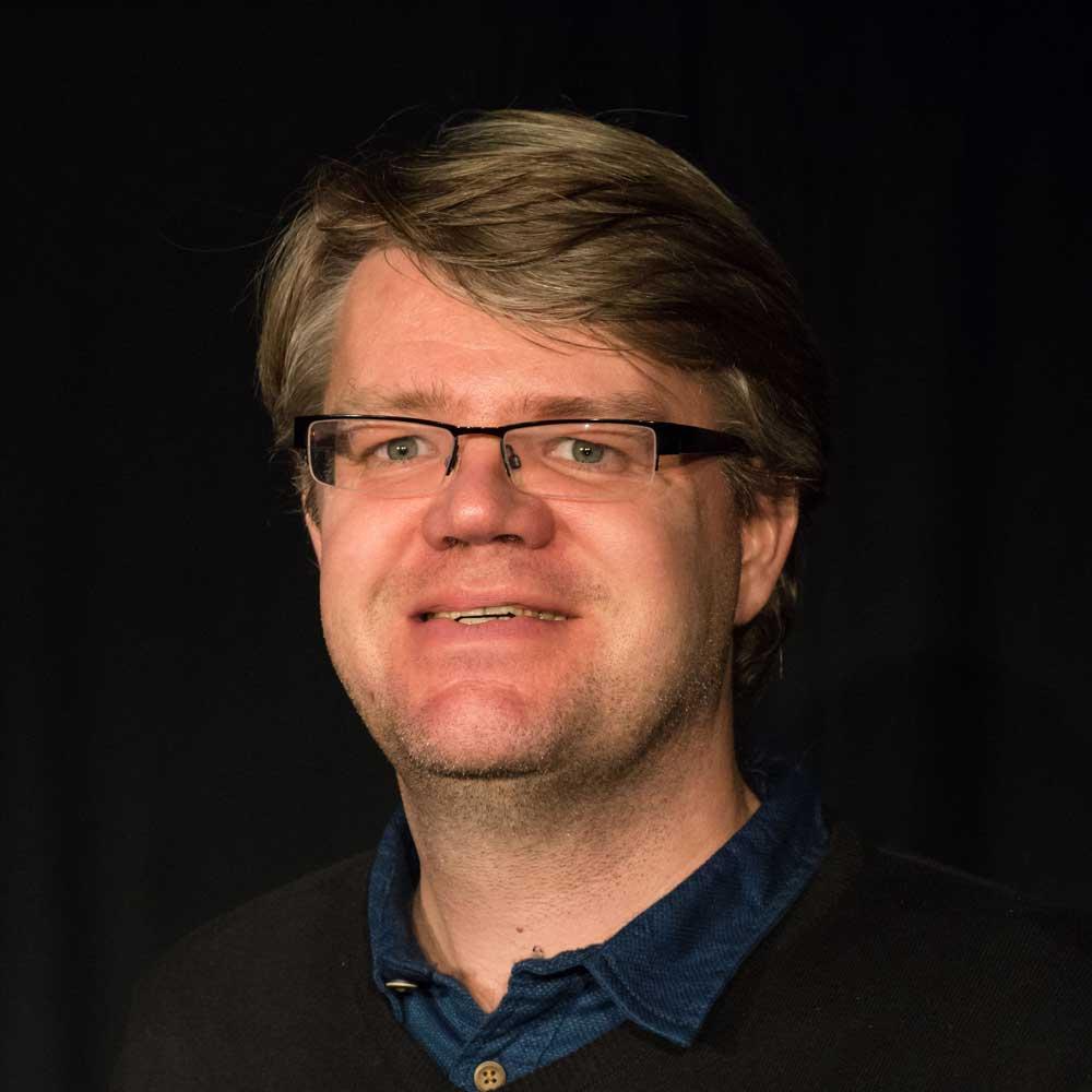 Tobias Grimbacher als Max